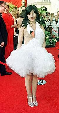 Bjork - 2001 Oscars